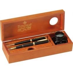 Cutie din lemn pentru instrumente de scris, calimara inclusa, DIPLOMAT - cherry wood